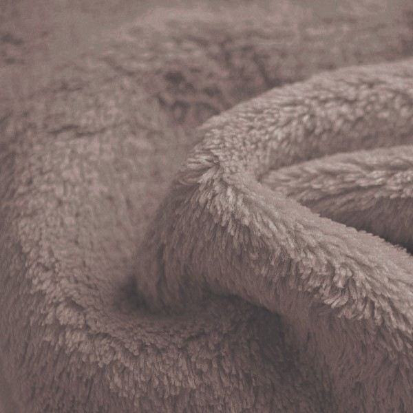 Tissu Doudou Flurr, Coloris Taupe (Tissu Des Nabous) - Les Moutons
