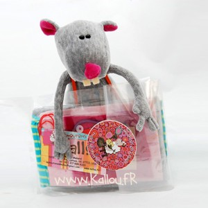 Kit de couture souris Ratafia,coloris rose dragée, patron de peluche à coudre et mercerie inclus