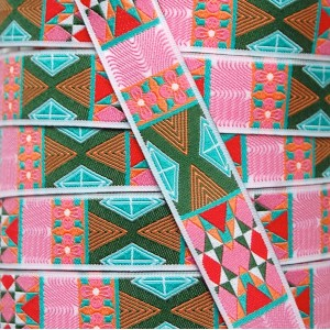 Ruban motifs géométriques rétro