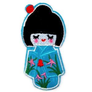 Ecusson thermocollant kokeshi, poupée japonaise