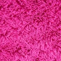 Tissu doudou Shaggy, coloris rose flash à poils longs